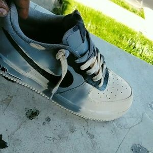 Nike Shoes - Heat / water Color changing air force ones